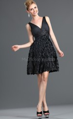 Black Chiffon A-line V-neck Short Bridesmaid Dress For Beach(NZBD06388)
