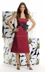 Burgundy Satin A-line Strapless Knee-length Bridesmaid Dresses (NZBD06625)