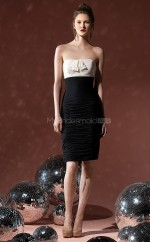 Black Chiffon Sheath Strapless Knee-length Bridesmaid Dress For Beach(NZBD06638)