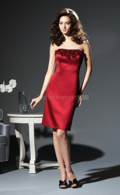 Burgundy Satin Sheath Strapless Knee-length Bridesmaid Dresses (NZBD06670)