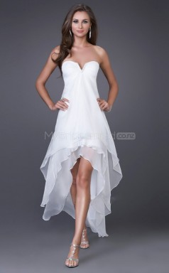 Chiffon A-line Sweetheart  Asymmetrical White Ball Dresses (NZJT06383)