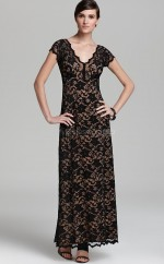 Black Lace Sheath V-neck Long Bridesmaid Dresses (NZBD06309)