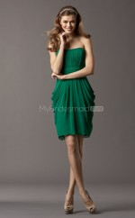 Dark Green Chiffon Sheath Strapless Short Bridesmaid Dress For Beach(NZBD06760)