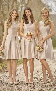 Classic Spandex Champagne A Line Knee Length Bridesmaid Dress with Beading BDNZ1590